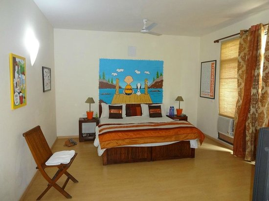 Cinnamon Stays: One of the artistic bedrooms