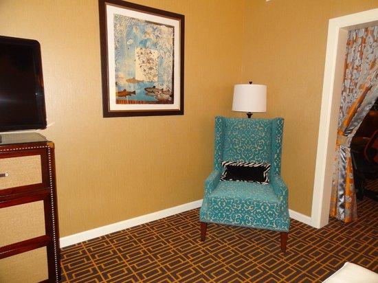 Kimpton Hotel Monaco Denver: Funky chair