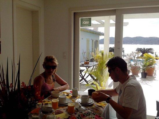 Girassois da Lagoa Guesthouse: Café da manhã!