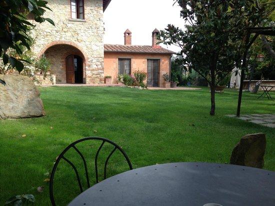 Bed & Breakfast Le Caselle: The Garden