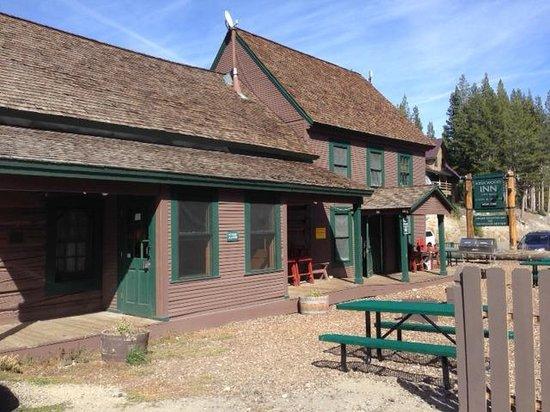 Kirkwood Inn & Saloon : Just off Highway 88 near Kirkwood