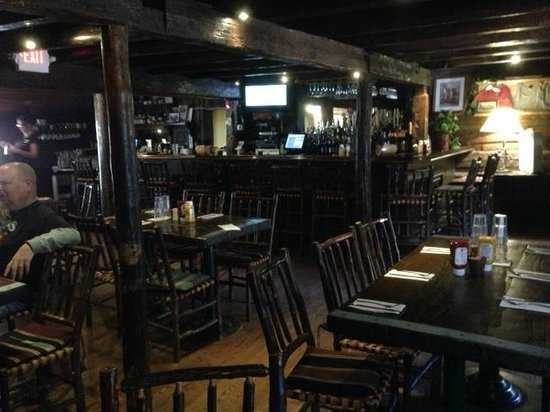 Kirkwood Inn & Saloon: A pleasant dining area in a log building