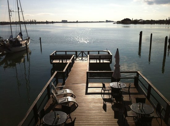 Pasa Tiempo Private Waterfront Resort: The gorgeous dock