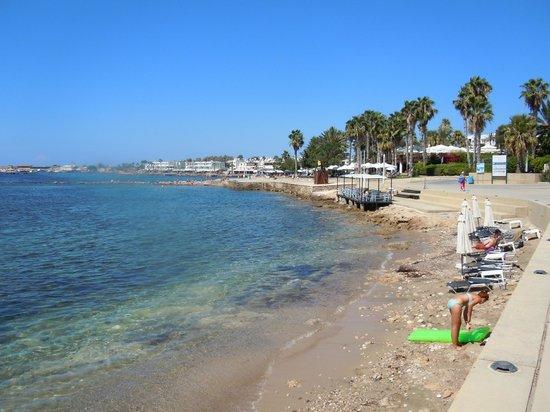 Almyra Hotel : Almyra beach