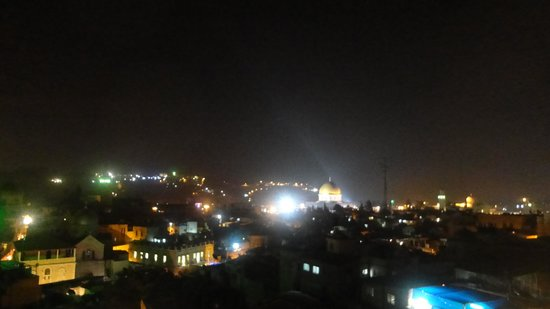 Hashimi Hotel : View from the roof garden at night