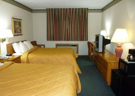 Quality Inn: Bed Room