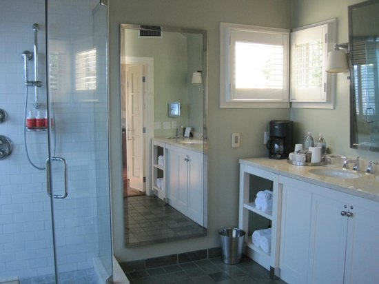 The Carneros Inn: Bathroom