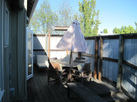 Carneros Resort and Spa: Cottage back deck