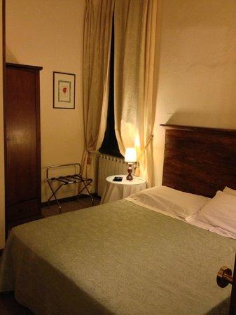 โรงแรมเอ็มมา: Room