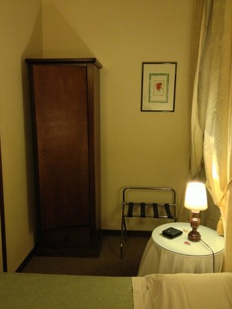 Hotel Emma: Wardrobe