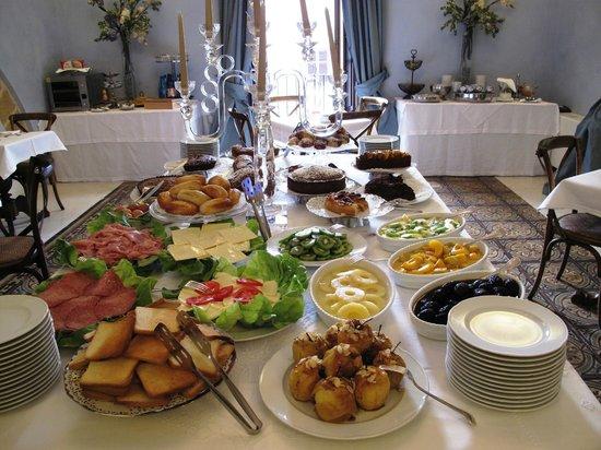 Carmine Hotel: Frühstücksraum