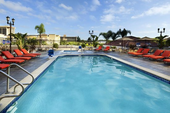 Doubletree Suites by Hilton Hotel Anaheim Resort - Convention  Center: Pool & Spa on 2nd Floor Outdoor Deck