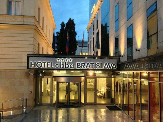 LOFT Hotel Bratislava: Hotel Exterior