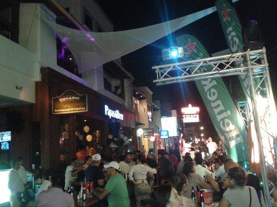 First Street: Calle primera