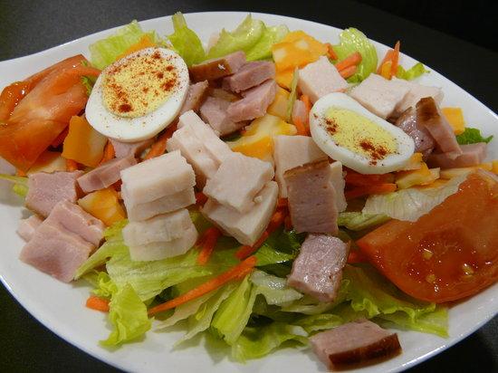 Nathan Detroit's Sandwich Pad : chef salad