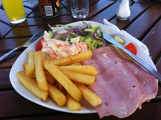 Waterside cafe: £10 Rip-off