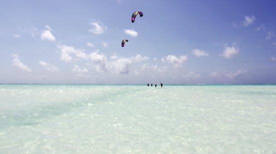 Red Monkey Beach Lodge: Kitesurfen