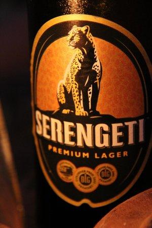 Red Monkey Beach Lodge: Serengeti am Abend