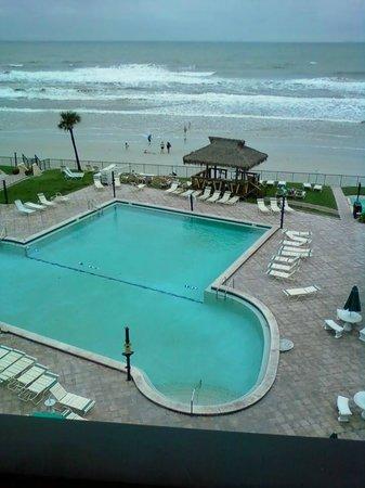 Hawaiian Inn : Pool/deck area