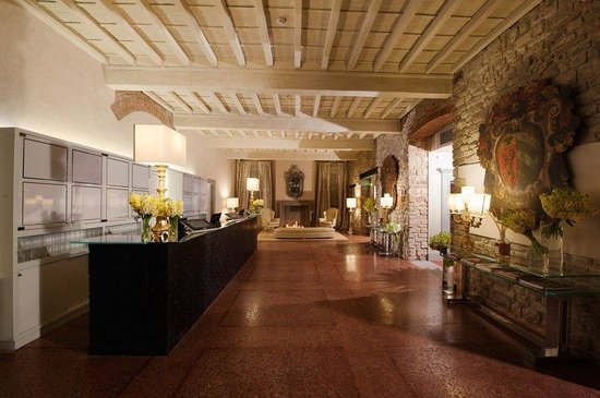 Hotel Brunelleschi: Hall