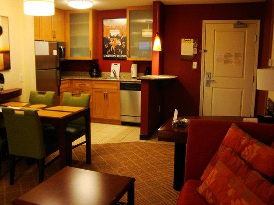 Residence Inn San Antonio SeaWorld®/Lackland : Kitchen area
