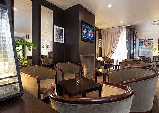 Comfort Hotel Cergy Pontoise: lounge