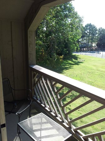 Kingsmill Resort: Patio and view from room