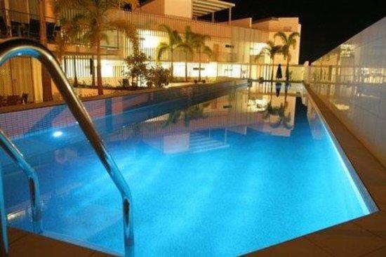 M1 Resort: Pool