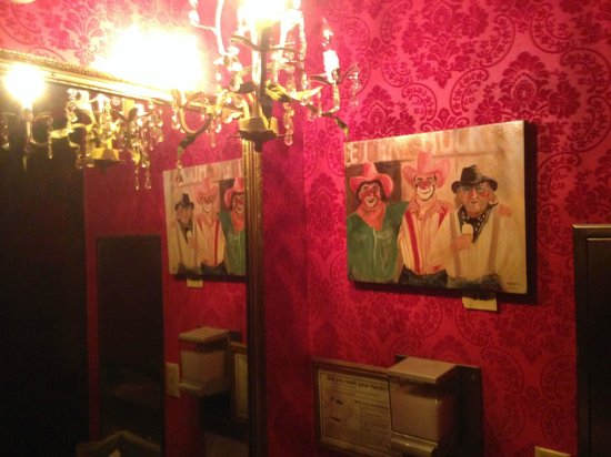 Virgil's At Cimmiyotti's: Even the bathrooms rock the red-velvet western vibe
