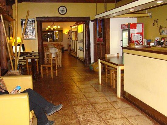 Passaro Suites Hotel: recepcion