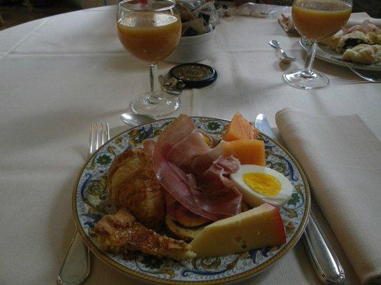 Villa Zuccari: Wonderful breakfast buffet