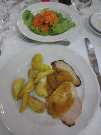 Hotel Il Burchiello : Main course of included dinner