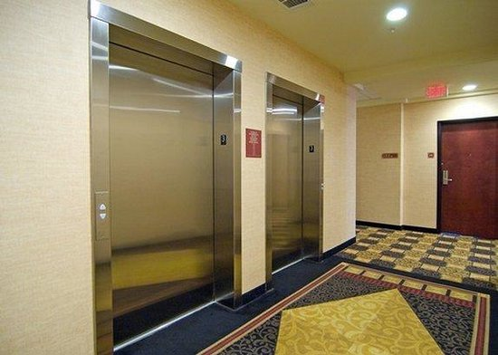 Comfort Suites San Antonio North - Stone Oak: elevator