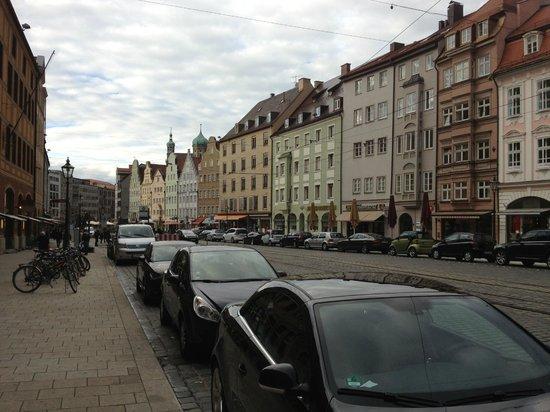Steigenberger Drei Mohren: Left from Hotel