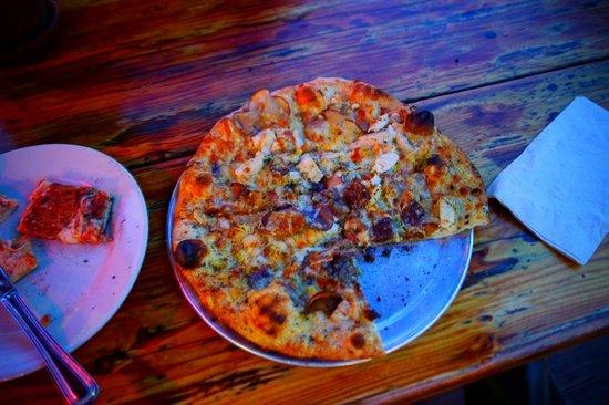 Flatbread Company: Flatbread Co: Veggie Pizza with Chicken
