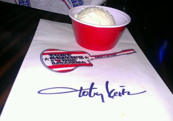 Toby Keith's I Love This Bar & Grill : Red Solo Cup