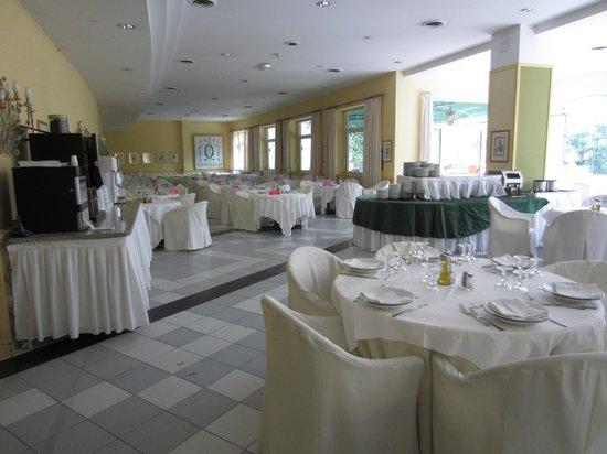 Hotel dei Congressi: Dining