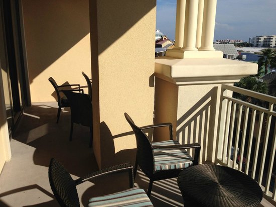 Emerald Grande at HarborWalk Village: Balcony