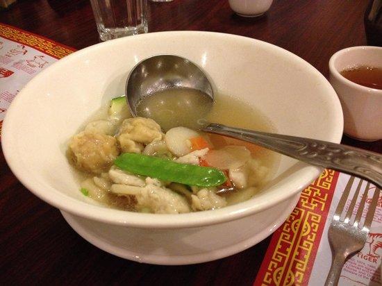 Viet Hoa Restaurant: Wor won-ton soup