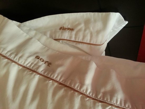 Holiday Inn Express & Suites Columbia Downtown: Pillows 2.0