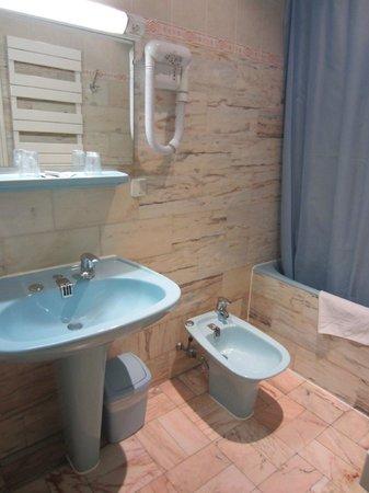 Hotel Busby : Bathroom