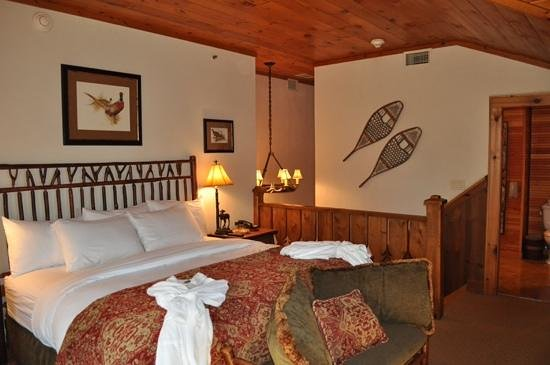 The Whiteface Lodge : upstairs bedroom