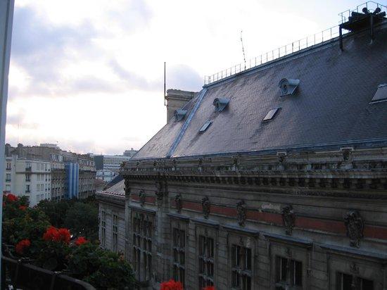 La Manufacture: View of the rooftop of la Mairie du 13ieme Arrondissement
