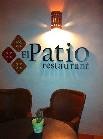 Sunscape Sabor Cozumel: waiting area at El Patio