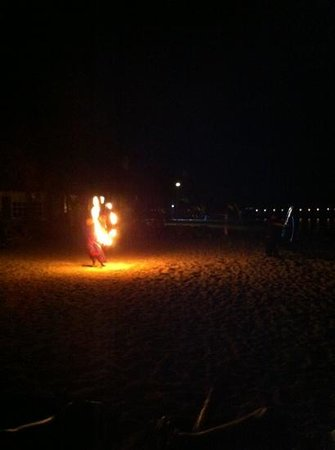 Sunscape Sabor Cozumel: fire show at the beach!
