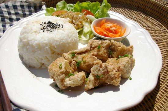 "Cafe Chai Dee : Chai Dee ""Chic-Tofu"" Set (Fried Tofu that tastes like fried chicken!)"
