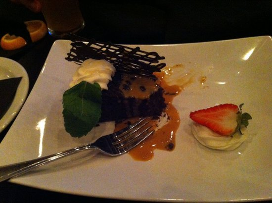 The Heid Out Restaurant and Brewhouse : Chocolate quinoa cake!