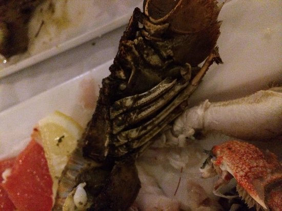 Far Horizons Restaurant : Disappointing seafood platter