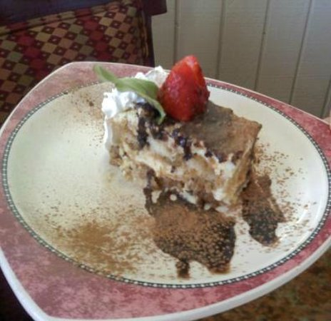 Agostino's Restaurant and Bar: Agostino Tiramisu
