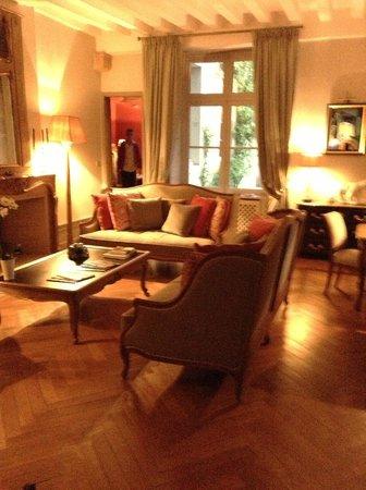 La Cour Berbisey: Guest living room on first floor